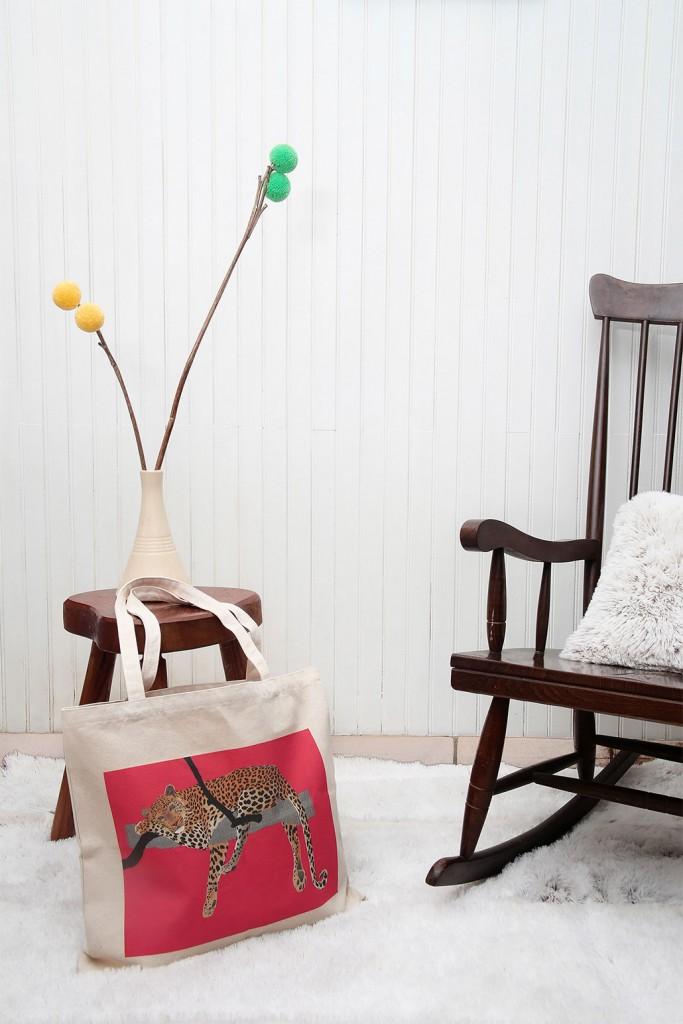 Bag-pompon-animal-Lyne-c-01